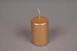 A136E2 Boîte de 24 bougies cylindre or D5 H8cm