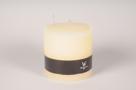 A153E2 Ivory cylindrical candle D15cm H15cm