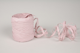 A155ZR Roll of pink synthetic raffia 200m