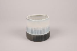 A174Y8 White ceramic planter D11cm H10cm