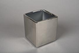 A175VU Ceramic planter silver 10x10cm H11cm
