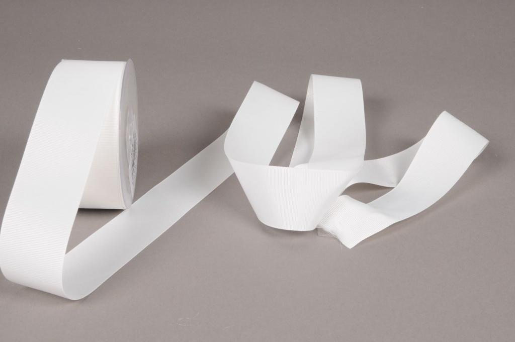 A235UN White ribbon 38mm x 20m
