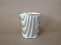A309KM Whitened zinc planter D11cm H10cm