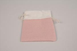 A321UN Pack of 10 velvet bags pink 15x10cm