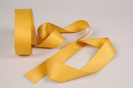 A329UN Gold satin ribbon 40mm x 15m