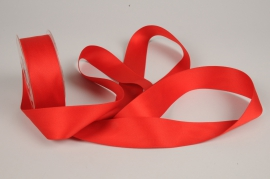 A334UN Red satin ribbon 40mm x 15m