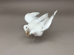 A379E9 Box 12 picks pair of doves white D10cm