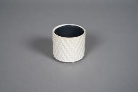 A581HX White ceramic planter D8cm H7cm