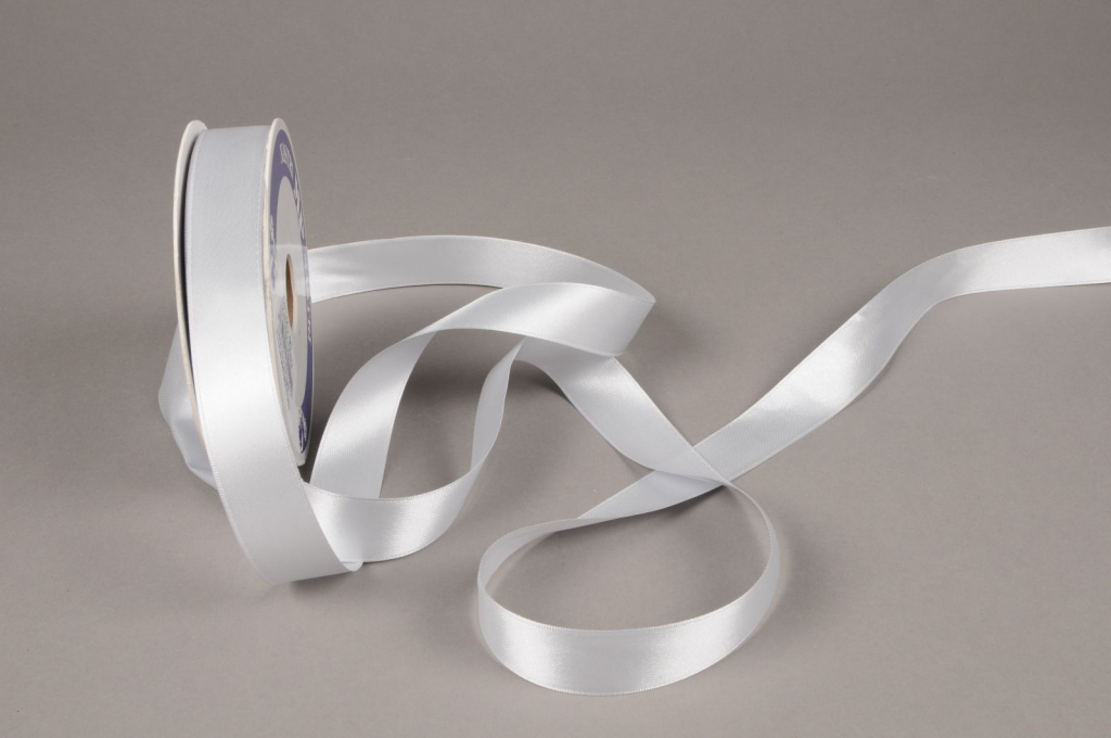 A613UN Silver satin ribbon 25mm x 50m