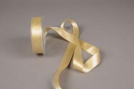 A620UN Gold satin ribbon 25mm x 25m