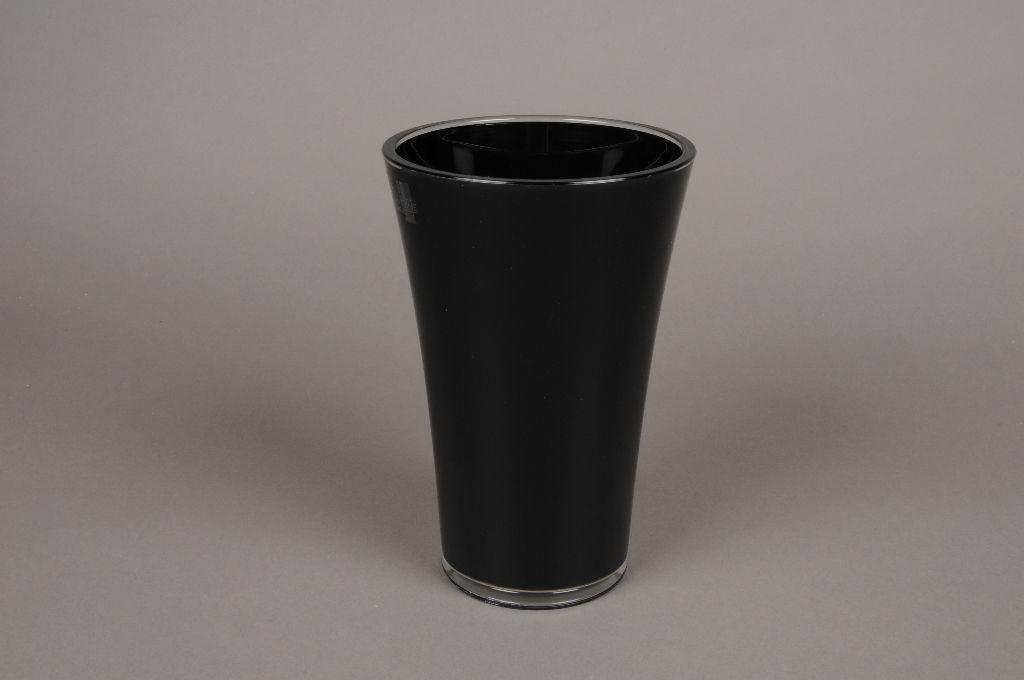 A724QX Black plastic vase D13cm H20cm