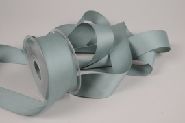 A774UN Green satin ribbon 40mm x 15m