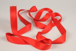 A782UN Red satin ribbon 25mm x 15m