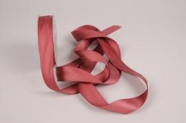 A790UN Dark pink satin ribbon 25mm x 15m