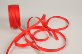 A796UN Red satin ribbon 10mm x 35m