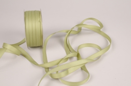 A800UN Green satin ribbon 10mm x 35m