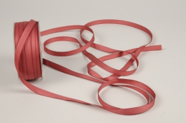 A804UN Dark pink satin ribbon 10mm x 35m