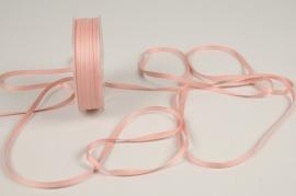 A812UN Old pink satin ribbon 5mm x 70m