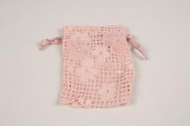 A821UN Paquet de 10 sacs dentelle rose H12cm