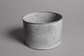 A024Q4 Aged zinc planter D12cm H8cm