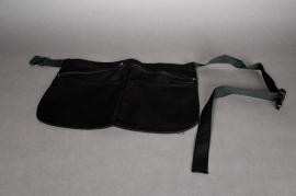 Apron with belt