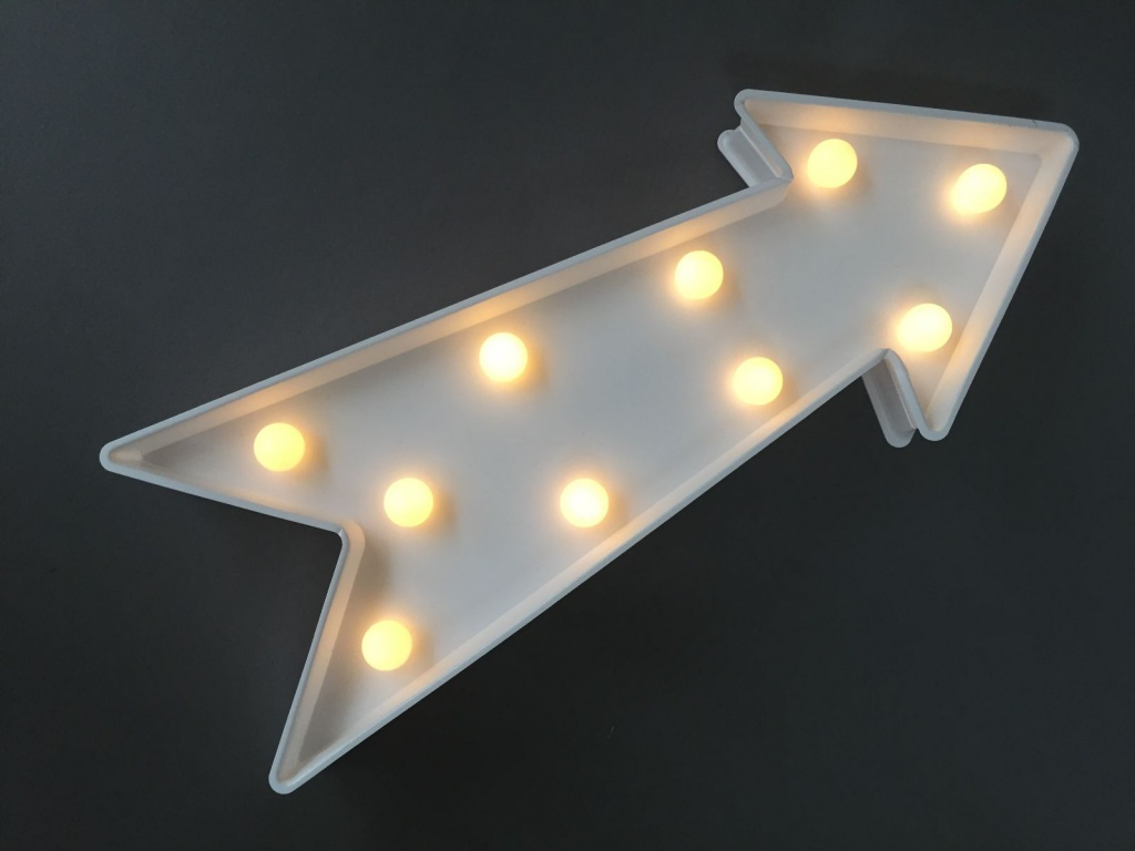 A370DQ Arrow sign LED warm white