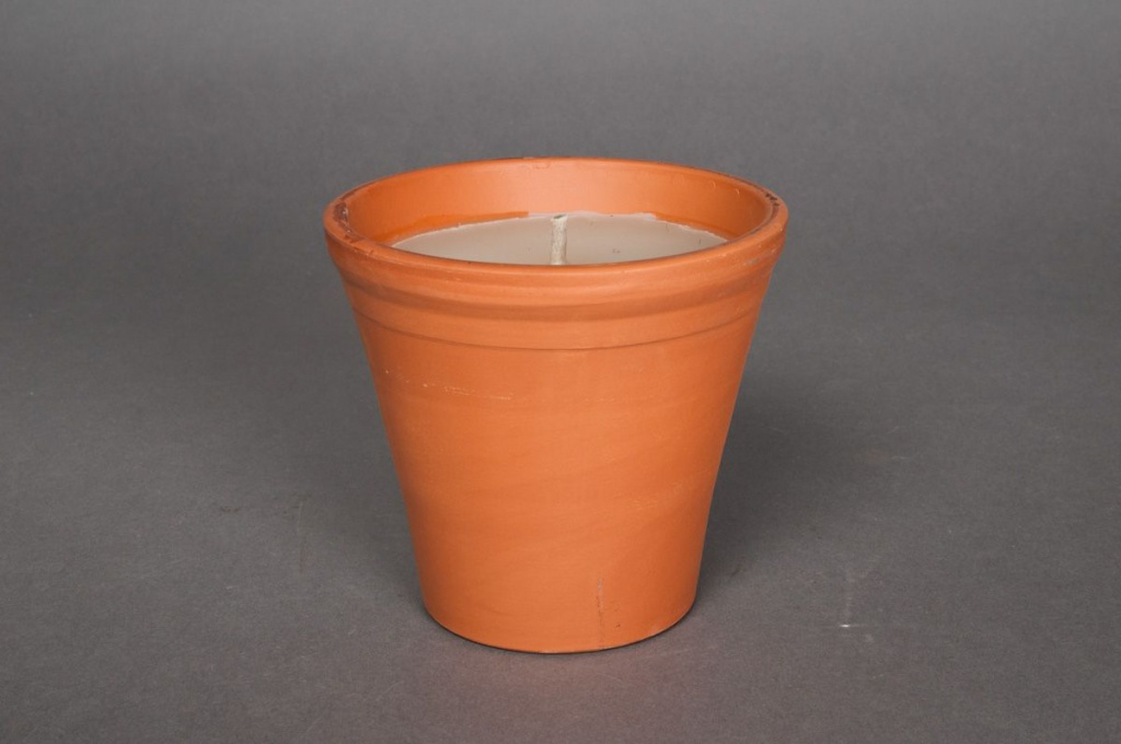 B032IR Box of 8 candles with terracotta pot 7h