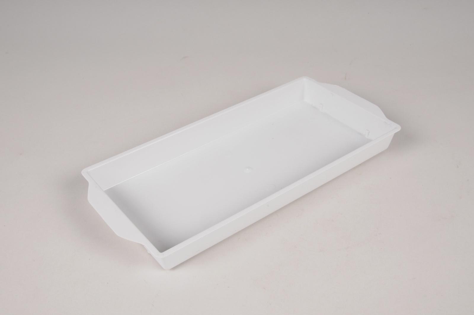 B213QV Paquet de 25 coupes en plastique blanches L26cm