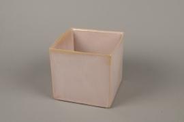 B464WV Pink ceramic planter 16cm x 16cm H15cm