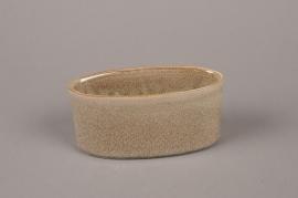 B466WV Brown ceramic gardener 6cm x 15cm H7.5cm