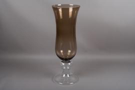 B548W3 Vase en verre sur pied ambre D29cm H84cm
