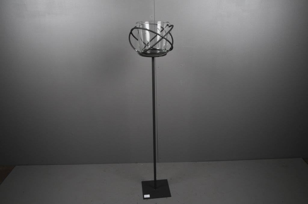 A001ZV Black metal stemmed light holder H120cm