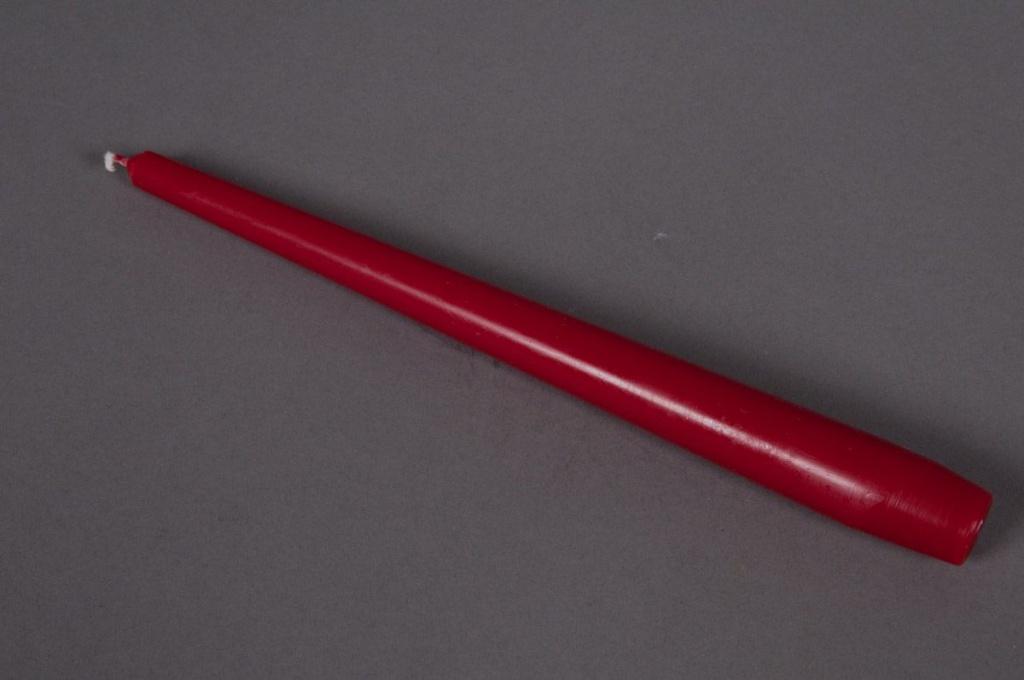 Boîte de 12 bougies 7h rouge H25cm