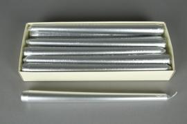X460KI Boîte de 12 bougies flambeau argent 25cm