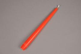 A054IR Boîte de 12 bougies flambeau orange D2.5cm H25cm