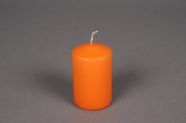A126E2 Boîte de 24 bougies cylindre orange D5 H8cm