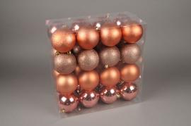 X145ZY Boîte de 32 boules en plastique cuivre rosé D10cm