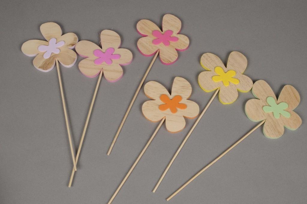 A422F5 Boîte de 6 pics fleur assortis D9cm H26cm