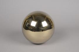 A035HH Boule en acier diamètre 18cm