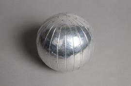 A625UO Boule en aluminium rayure diamètre 11cm