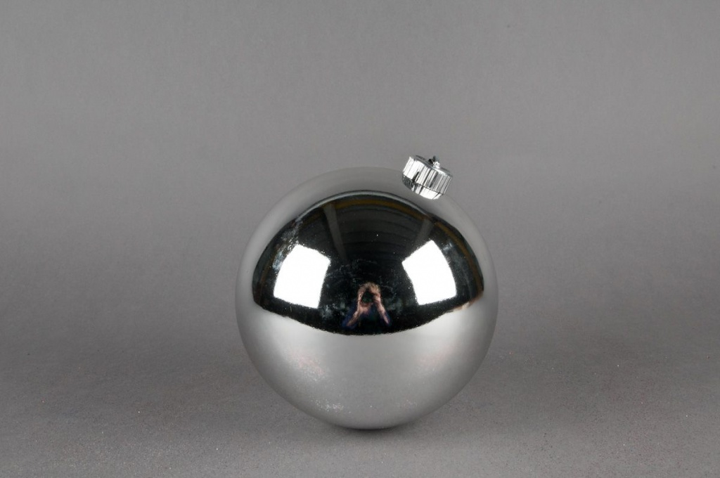 Boule en plastique  argent D15cm