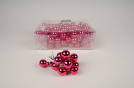 Box of 144 shiny pink glass balls D25mm