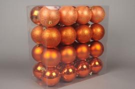 X047ZY Box of 32 plastic balls copper diameter 10cm