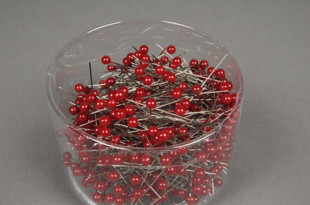 A092MG Box of 500 red beads on pin 6x65mm