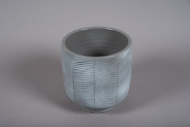 C540DQ Grey ceramic planter D17cm H19cm
