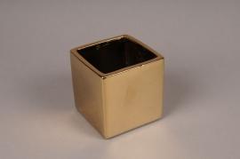 A007W1 Gold ceramic planter 10cm x 10cm H10.5cm