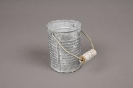 A036Q4 Cache-pot en zinc strié avec anse D6cm H8cm