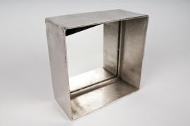 Cast iron and aluminium mirror 20x20x8cm