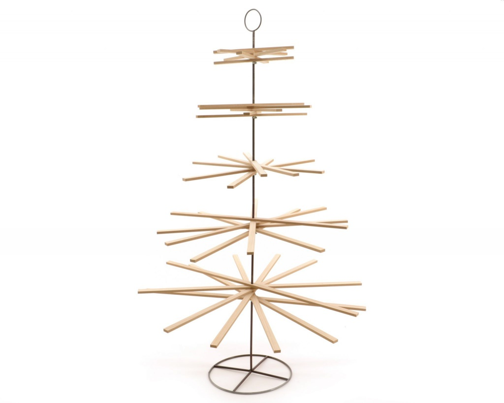X952KI Nartural wooden Christmas tree H175cm