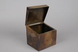 A058A9 Old looking copper zinc box 15 x 13 H14cm